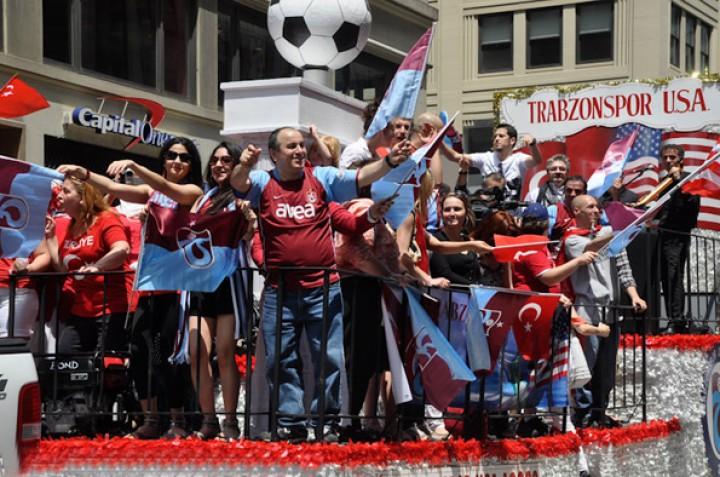 Trabzonspor USA Türk Günü Yürüyüşü'ne Katıldı