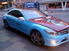 Alamanci Mercedesi Bordo Mavi Yapmis